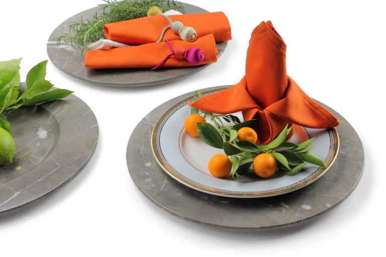 Contemporary Set of 6 Charger Plates in Imperial Grey Marble Design Pieruga Marble, Italy For Sale