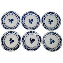 Set of 6 Chinese Export Plates, Roses Blue and White, Qianlong, circa 1780
