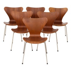 Set of 6 Dining Chairs by Arne Jacobsen