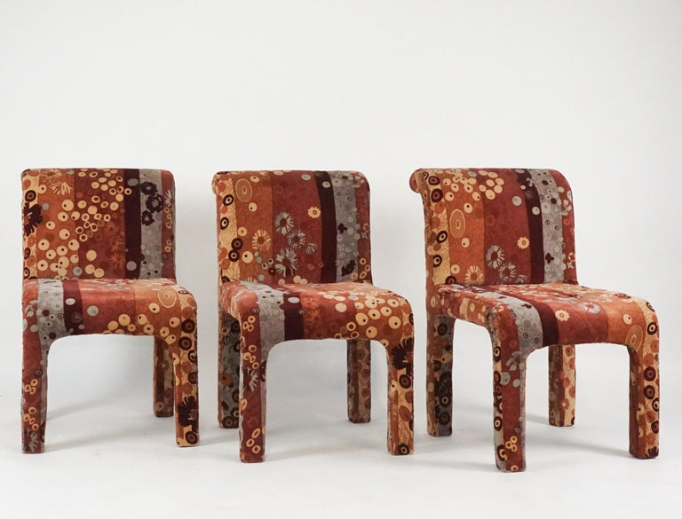 Set of 6 Dining Chairs in Jack Lenor Larsen Upholstery Fabric Midcentury Modern In Good Condition For Sale In Hudson, NY