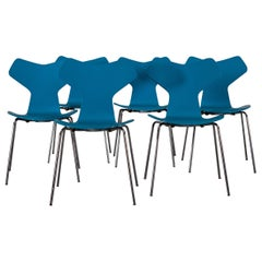Set of 6 Dining Chairs Model Grand Prix 3130 by Arne Jacobsen