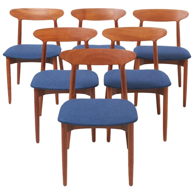 Set of 6 Dinning Chairs by Harry Østergaard For Sale