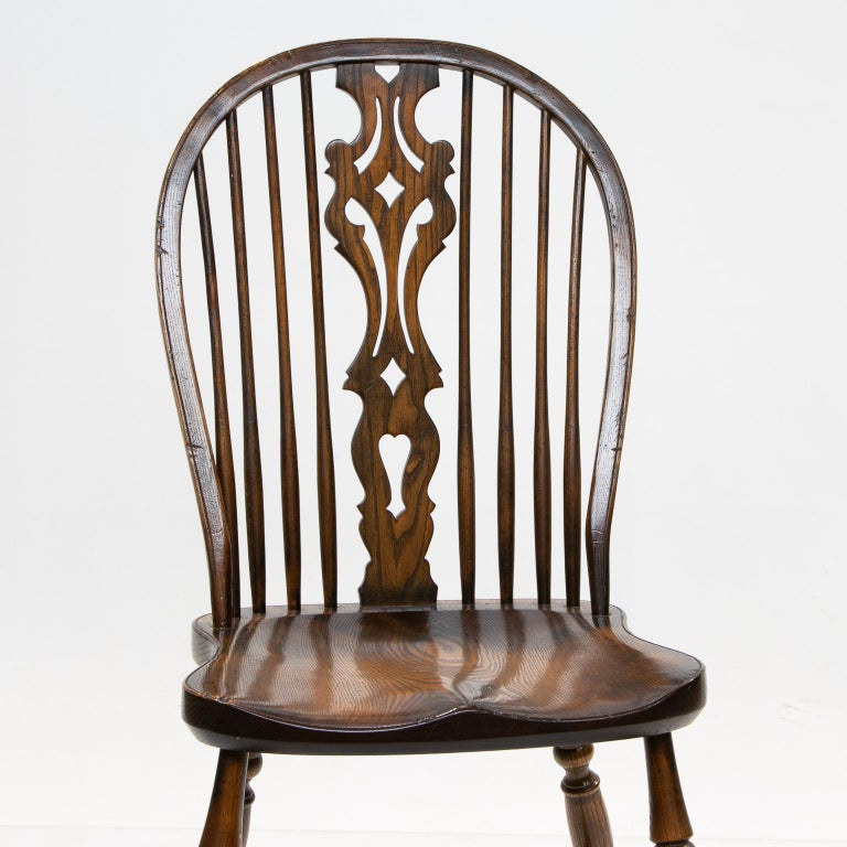 Contemporary Set of 6 English Windsor Dining Chairs For Sale