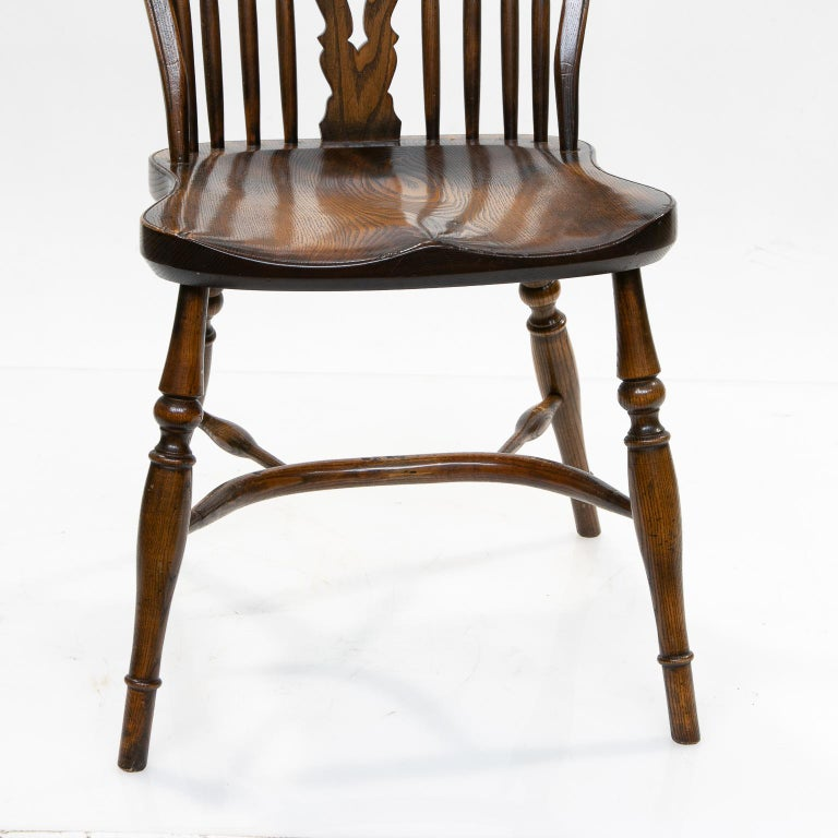 Elm Set of 6 English Windsor Dining Chairs For Sale