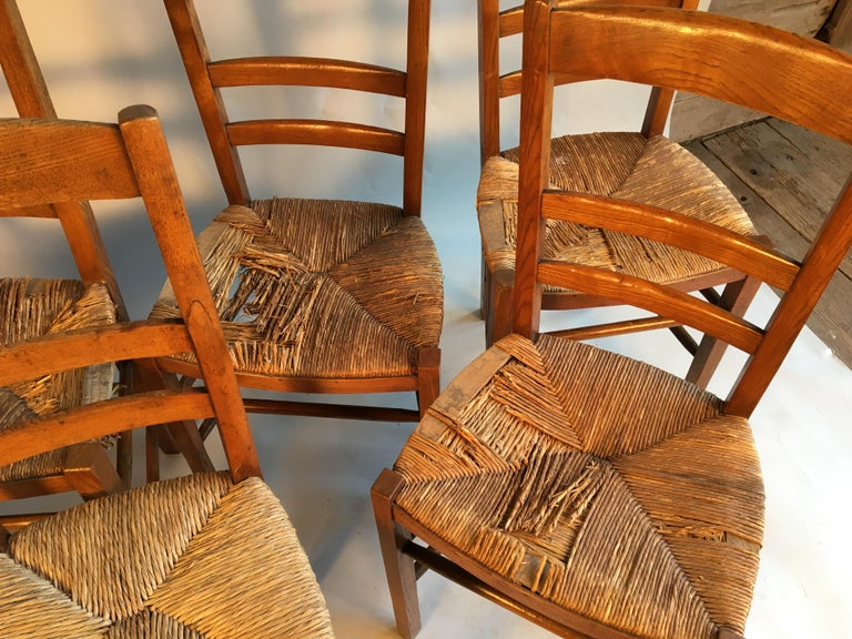French Provincial Set of 6 French Country Ladder Back Chairs, Mid-19th Century For Sale