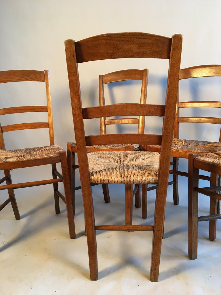 Elm Set of 6 French Country Ladder Back Chairs, Mid-19th Century For Sale