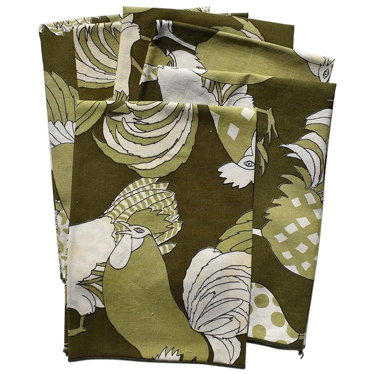Set of 6 Green Cloth Dinner Napkins with Figural Birds
