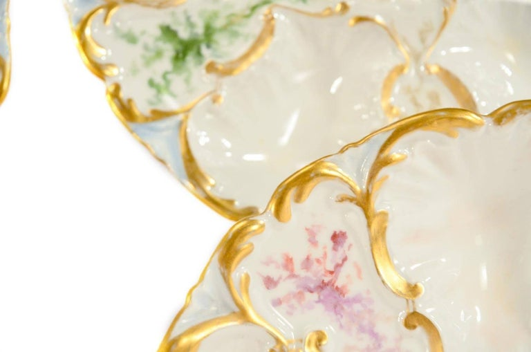 French Set of 6 Limoges S & S Oyster Plates With Hand Painted Seaweed & Gilt Decoration For Sale