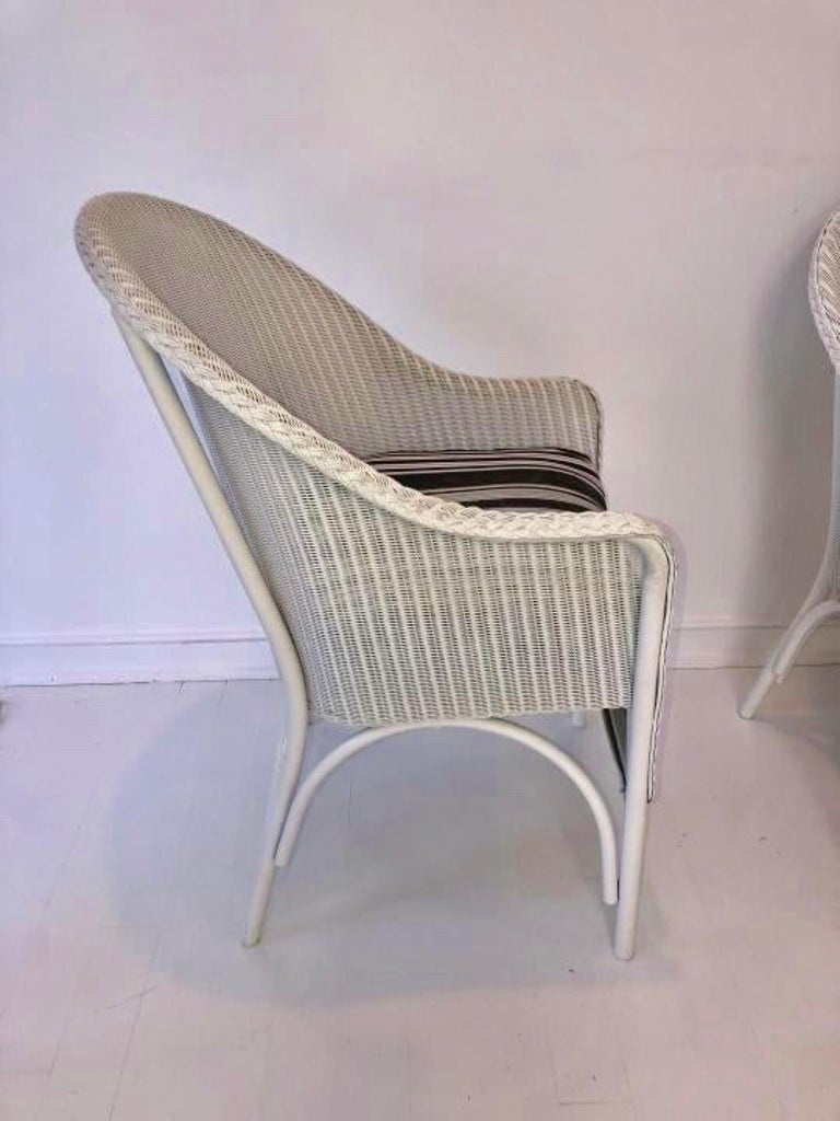 Set of 6 Lloyd Loom Dining Chairs In Good Condition For Sale In Great Barrington, MA