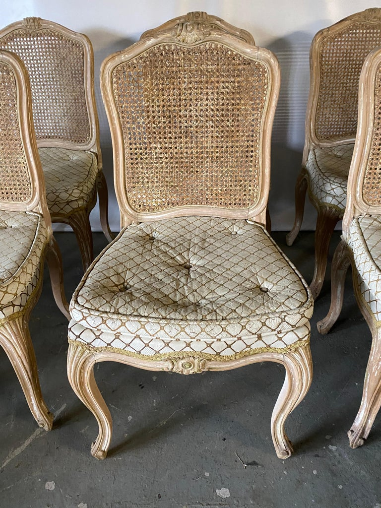 Set of 6 Louis XV Style Painted Dining Chairs In Good Condition For Sale In Great Barrington, MA