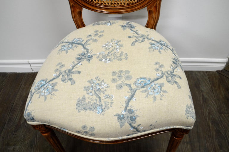 Italian Set of 6 Louis XVI Style Oval and Caned Back Dining Chairs Seat in Printed Linen For Sale
