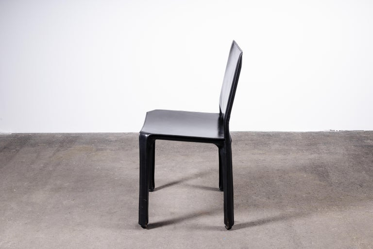 Italian Set of 6 Mario Bellini CAB 412 Chairs in Black Leather for Cassina For Sale