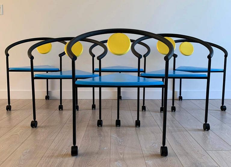 Post-Modern Set of 6 Memphis Three-Legged Dining Chairs in the Manner of Michele De Lucci For Sale