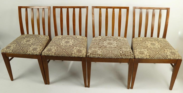 Set of 6 Mid-Century Modern Dining Chairs attributed to RWAY For Sale 9