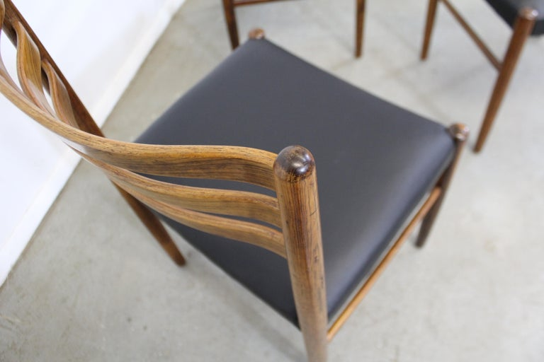Set of 6 Mid-Century Modern Rosewood and Leather Dining Chairs For Sale 5