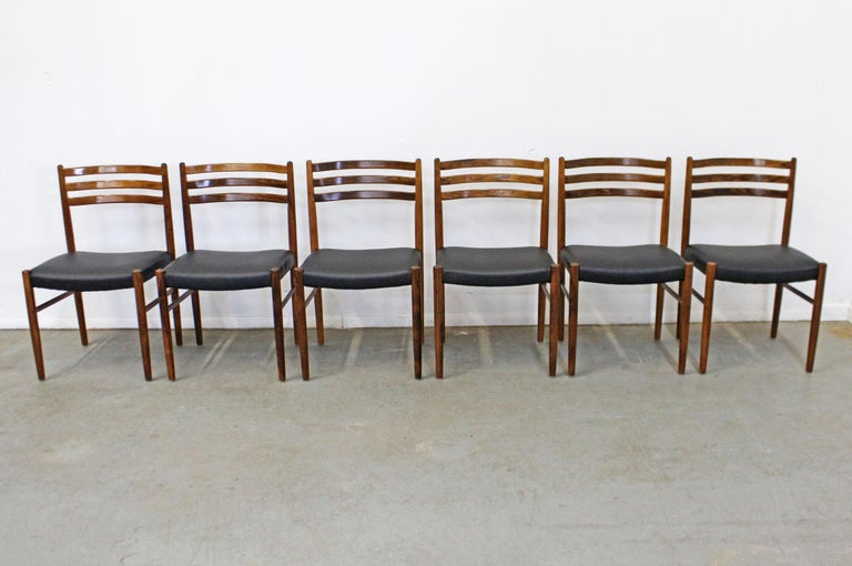 Unknown Set of 6 Mid-Century Modern Rosewood and Leather Dining Chairs For Sale