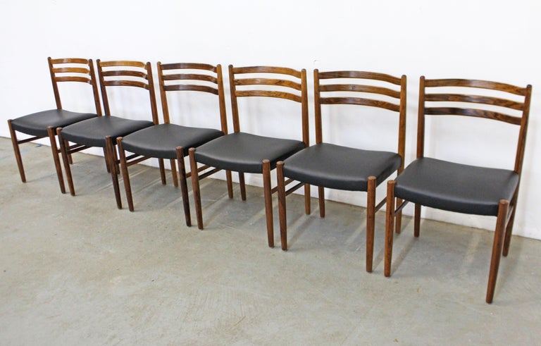 Set of 6 Mid-Century Modern Rosewood and Leather Dining Chairs In Good Condition For Sale In Wilmington, DE