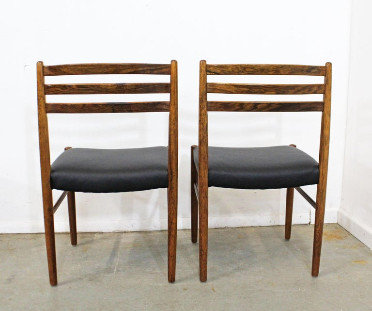 20th Century Set of 6 Mid-Century Modern Rosewood and Leather Dining Chairs For Sale