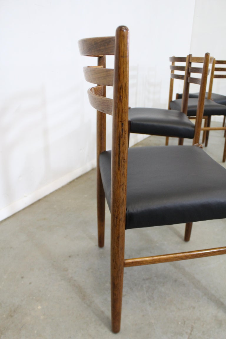 Set of 6 Mid-Century Modern Rosewood and Leather Dining Chairs For Sale 3