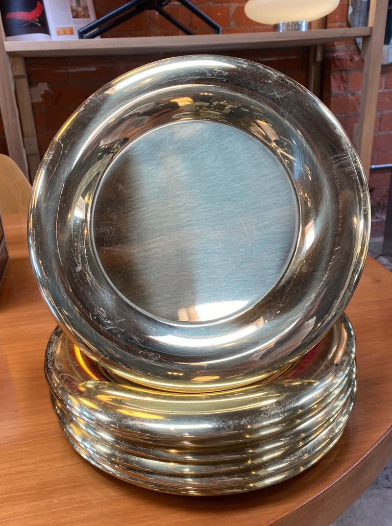 Stunning set of 6 charger plates, circa 1970s, retains original label 2, made in Italy, 1970s. Signed: