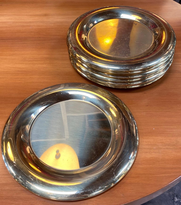 Late 20th Century Set of 6 Modern Charger Plates in Brass Made in Italy, 1970s For Sale