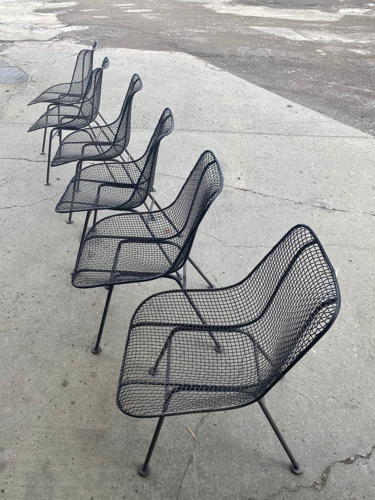 Set of 6 Modernist Russell Woodard sculptura side chairs, outdoor garden, iron mesh and steel. Retain original dark grey finish, amazing original condition, Hand delivery avail to New York City or anywhere en route from Buffalo NY.