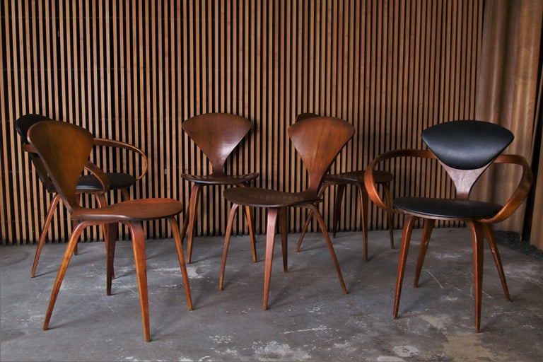 Set of 6 Norman Cherner for Plycraft Walnut Pretzel Dining Chairs In Good Condition For Sale In Southampton, NJ