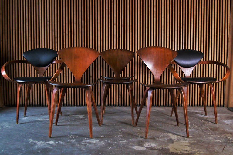 20th Century Set of 6 Norman Cherner for Plycraft Walnut Pretzel Dining Chairs For Sale