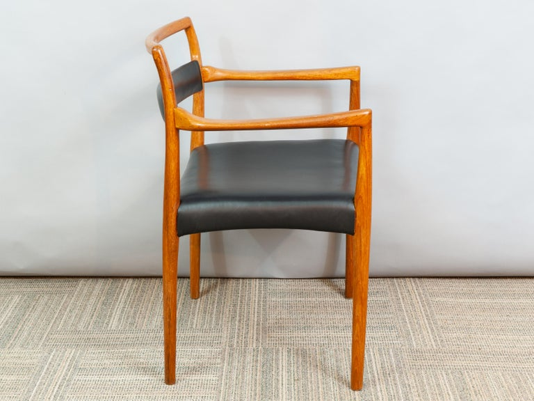 Set of 6 OD70 Kai Kristiansen Teak and Leather Carver Dining Chairs for Oddense For Sale 5