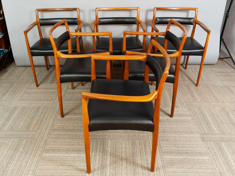 Mid-Century Modern Set of 6 OD70 Kai Kristiansen Teak and Leather Carver Dining Chairs for Oddense For Sale