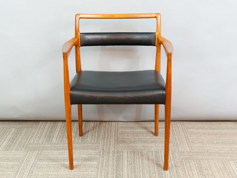 Set of 6 OD70 Kai Kristiansen Teak and Leather Carver Dining Chairs for Oddense In Good Condition For Sale In London, GB