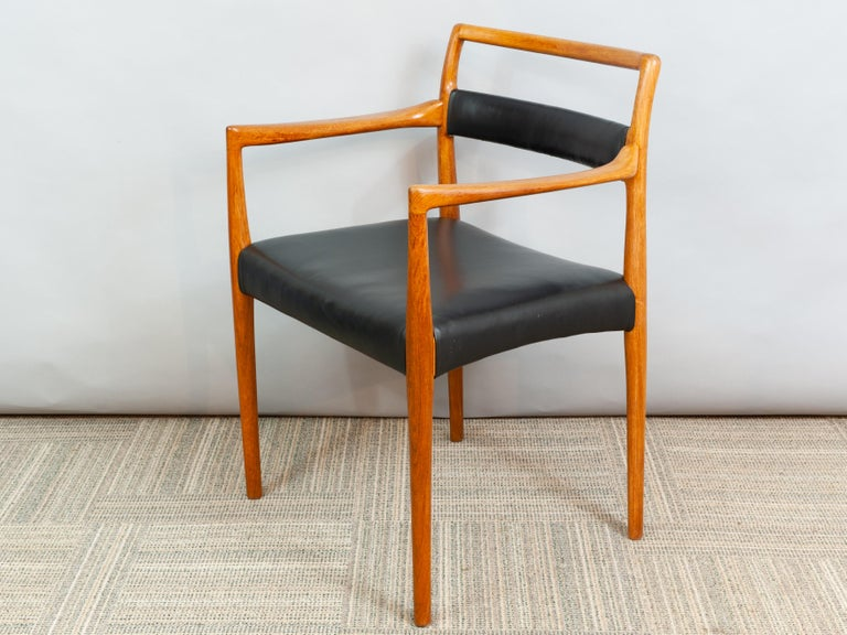 20th Century Set of 6 OD70 Kai Kristiansen Teak and Leather Carver Dining Chairs for Oddense For Sale