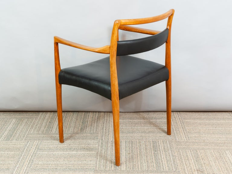 Set of 6 OD70 Kai Kristiansen Teak and Leather Carver Dining Chairs for Oddense For Sale 2