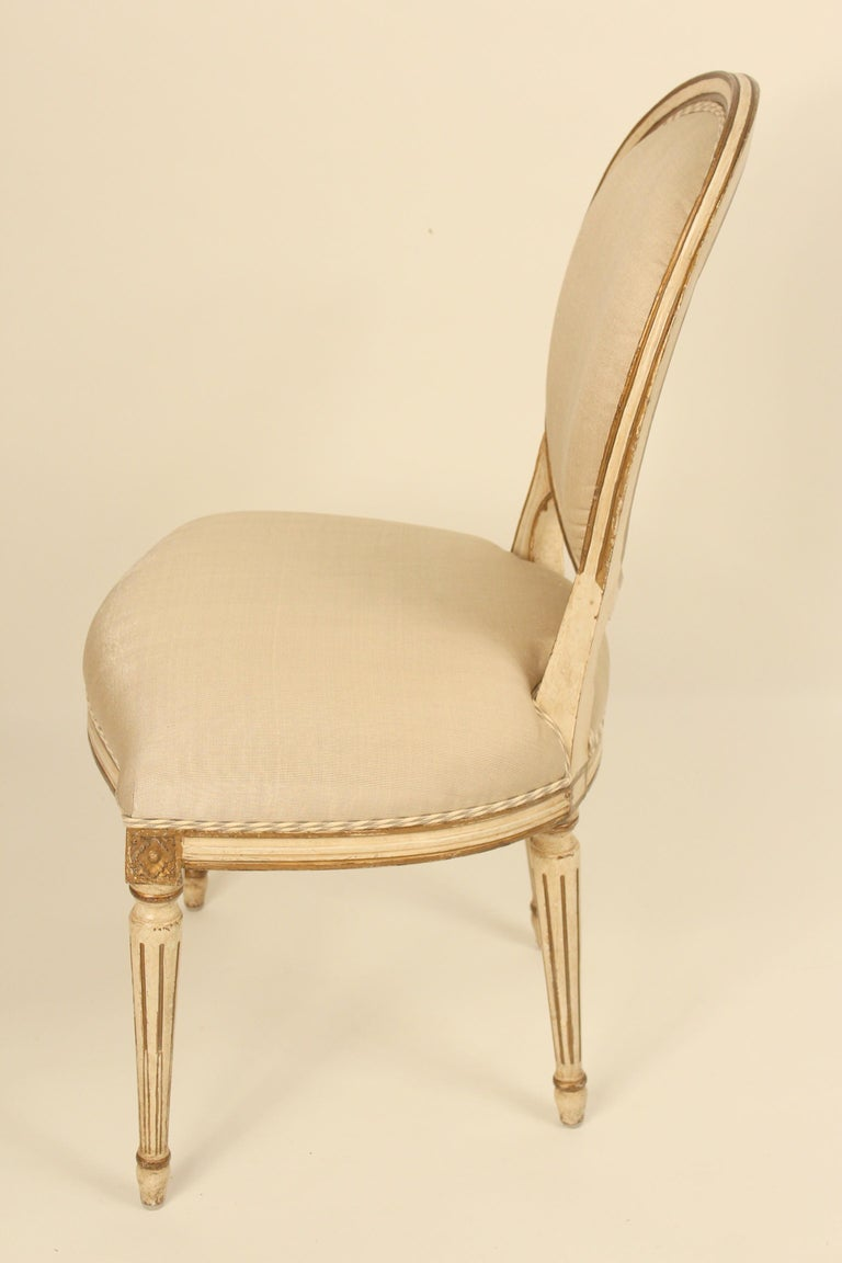 20th Century Set of 6 Painted and Gilt Louis XVI Style Dining Chairs For Sale