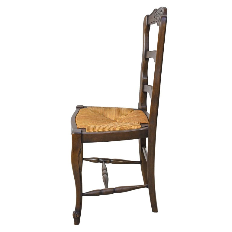 Set of 6 Provincial French Ladder Back Chairs, in Walnut Finish, circa 1900-1920 In Good Condition For Sale In Miami, FL