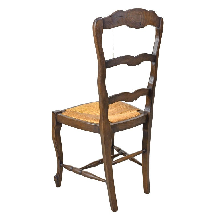 20th Century Set of 6 Provincial French Ladder Back Chairs, in Walnut Finish, circa 1900-1920 For Sale