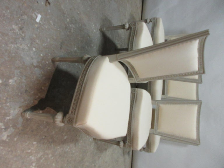 Set of 6 Swedish Gustavian Side Chairs In Distressed Condition For Sale In Hollywood, FL