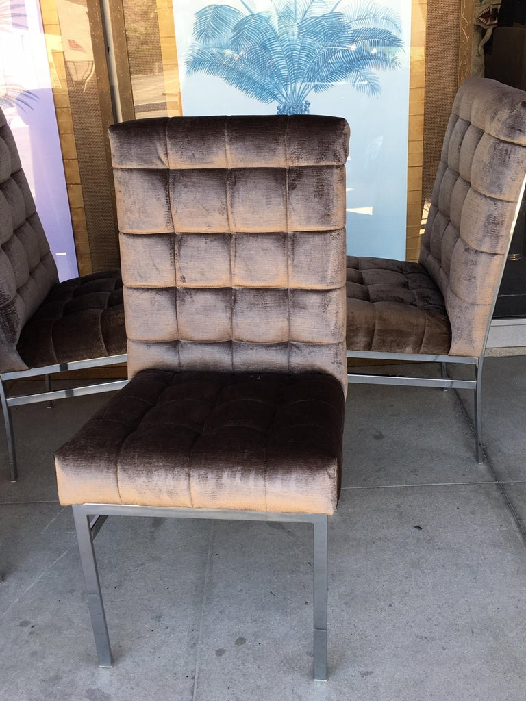 Late 20th Century Set of 6 Tufted Pierre Cardin Dining Chairs in New Mink Color Velvet For Sale