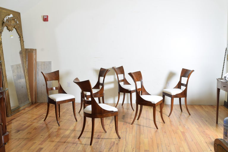 Set of 6 Venetian Walnut Veneered Dining Chairs, Early 19th Century For Sale 2
