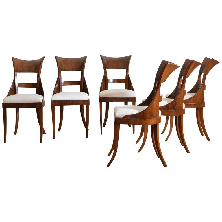 Set of 6 Venetian Walnut Veneered Dining Chairs, Early 19th Century For Sale