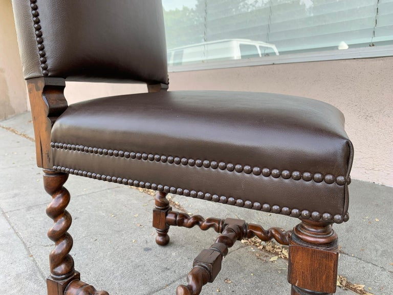 Set of 6 Vintage Chairs with Turned Legs and Leather Upholstery For Sale 4