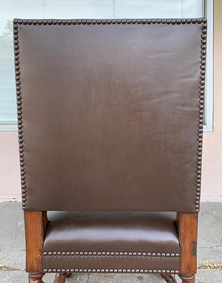 Set of 6 Vintage Chairs with Turned Legs and Leather Upholstery For Sale 5