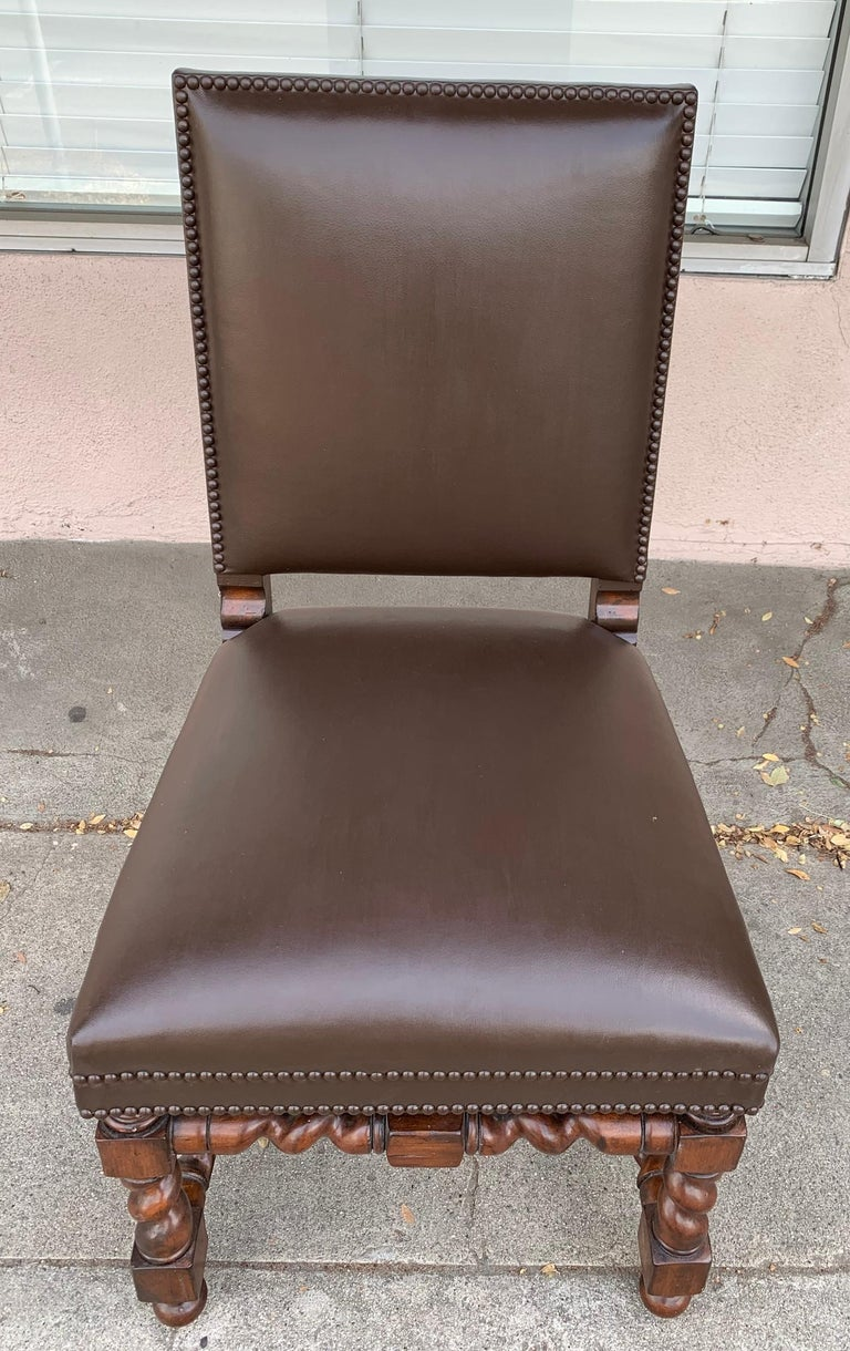 American Set of 6 Vintage Chairs with Turned Legs and Leather Upholstery For Sale