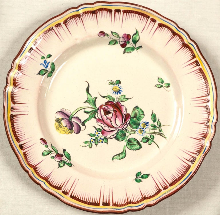 Set of 7 French Faience Plates, Late 19th Century For Sale 3