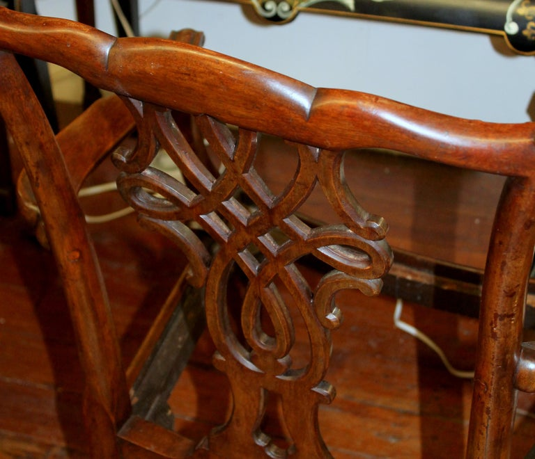 Set Of 8 Antique English Hand Carved Mahogany Chippendale