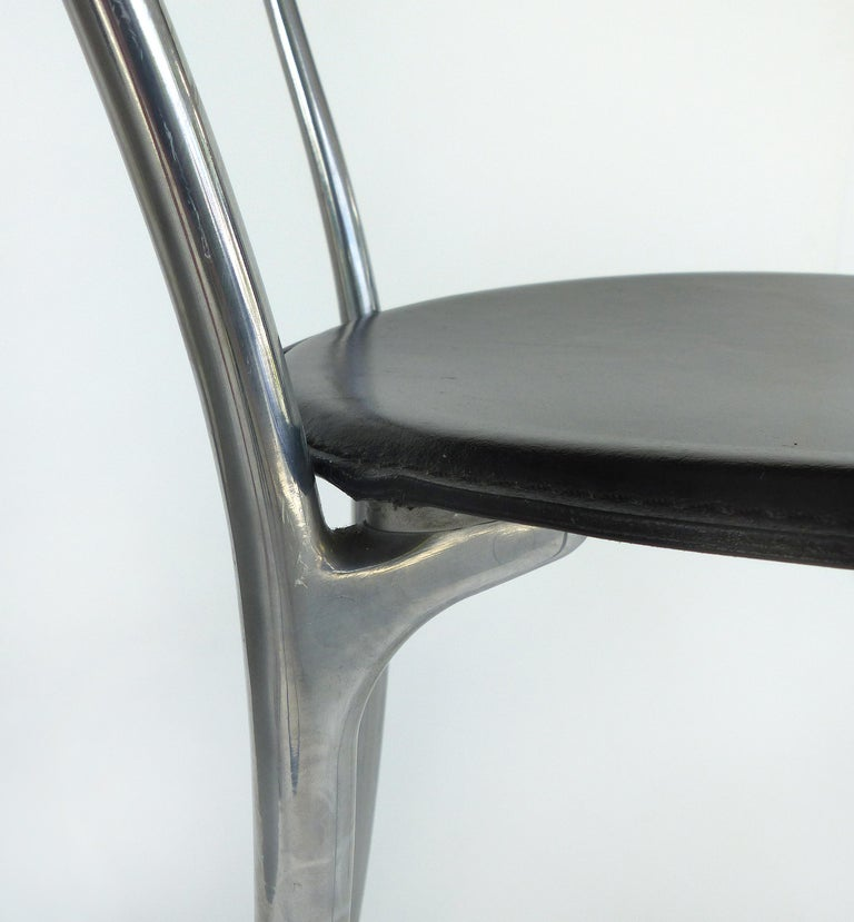 Set of 8 Arper Leather and Aluminum Dining Chairs, Italy For Sale 4