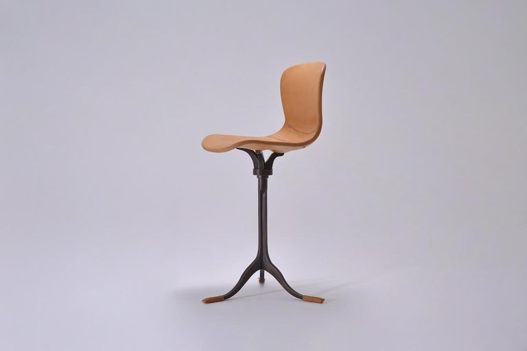 Mid-Century Modern Set of 8 Bespoke Counter-Height Chairs, Solid Brass and Leather by P. Tendercool For Sale