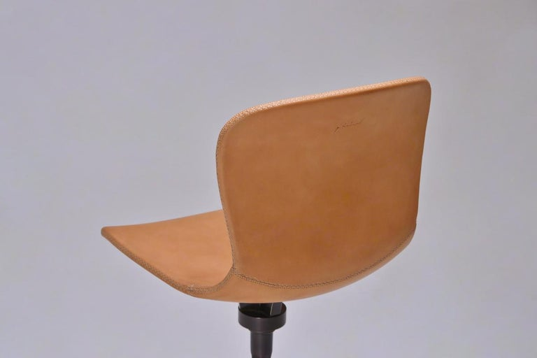 Contemporary Set of 8 Bespoke Counter-Height Chairs, Solid Brass and Leather by P. Tendercool For Sale