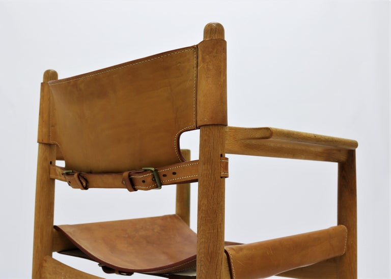 Mid-20th Century Set of 8 Børge Mogensen Armchairs in Oak and Patinated Saddle Leather For Sale