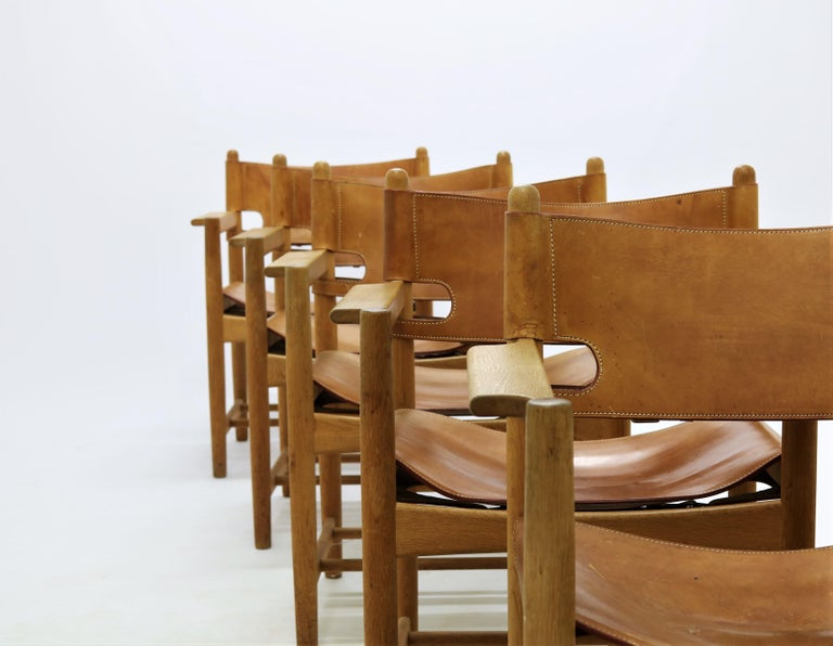 Set of 8 Børge Mogensen Armchairs in Oak and Patinated Saddle Leather For Sale 1